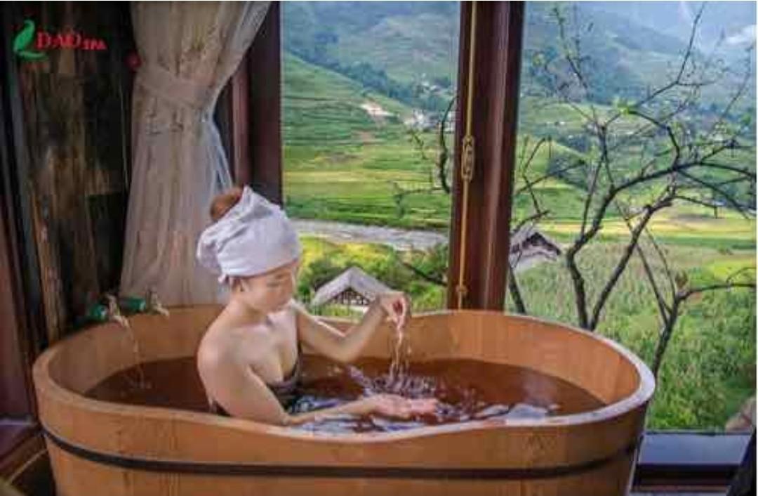 Bồn tắm Ovan gỗ thông